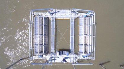 """El hidrogenerador llamado """"SBK1″ (las consonantes del apellido de Sebök) mide doce por doce y genera 240 kVA."""