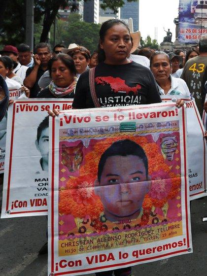 Era el único hijo varón de Clemente Rodríguez y Luz María Telumbre (Foto: Reuters/Henry Romero)