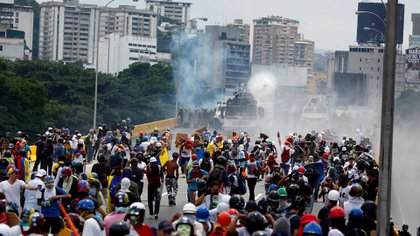 Las fuerzas chavistas reprimen toda manifestación opositora (Reuters)