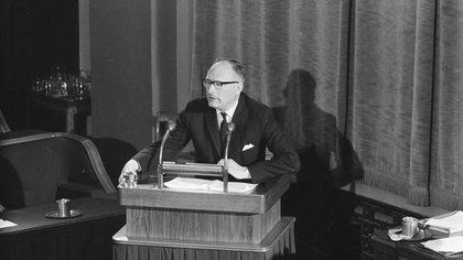 Hace 64 años asumía su banca en el Senado de los Países Bajos (Wikipedia)