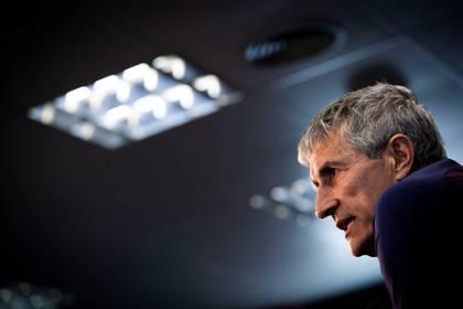 El técnico del FC Barcelona, Quique Setién durante una rueda de prensa. EFE/ Enric Fontcuberta/Archivo