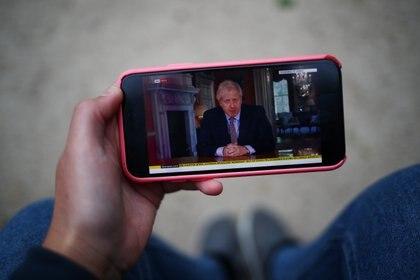 Boris Johnson decidió prohibir el uso de la red 5G de Huawei por temor a la filtración de datos que pudieran caer en manos del Partido Comunista Chino (Reuters)