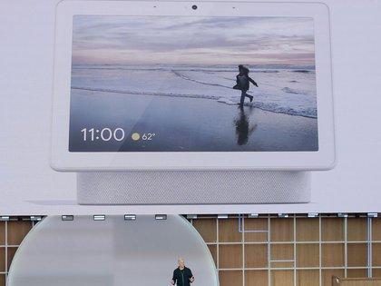 Google presentó Nest Hub Max, una pantalla inteligente con cámara integrada (AP)