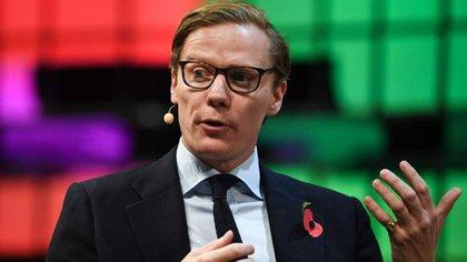 Alexander Nix, el CEO de la consultora Cambridge Analytica, fue suspendido pendiente de una investigación.