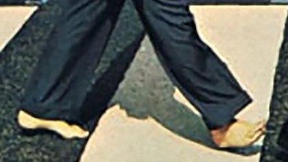 Los pies descalzos de Paul en la portada del disco fueron la piedra fundamental de las teorías