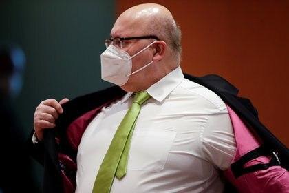 El ministro de Economía alemán, Peter Altmaier, preparándose para una discusión acalorada REUTERS/Hannibal Hanschke/Pool