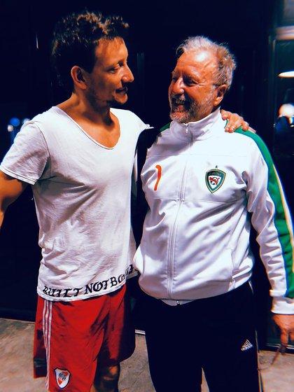 La foto con la que Nico acompañó el conmovedor posteo (IG: @nicovazquezok)