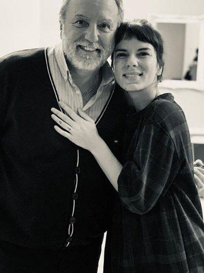La actriz le rindió homenaje a su padre con esta imagen (Foto: Instagram)