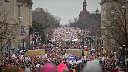 """""""Marchamos por el núcleo moral de nuestra nación"""", dijo la actriz América Ferrara (Reuters)"""