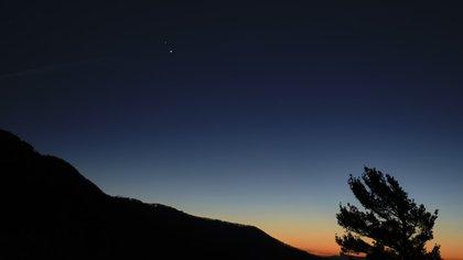 Una hora después del atardecer, se podrán ver los planetas