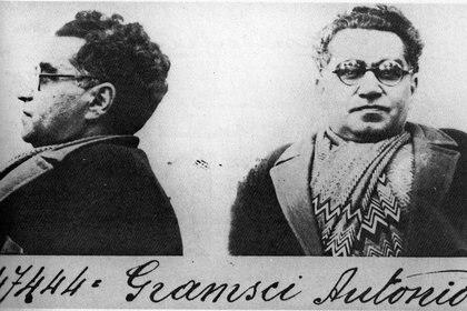 Foto de cartelera de Gramsci de 1933