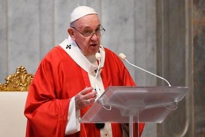 El papa Francisco habla durante la homilía del Domingo de Ramos (Alberto Pizzoli/Pool via REUTERS)