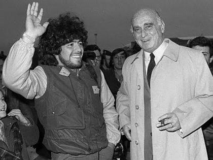 Nicolau Casaus y Diego Maradona