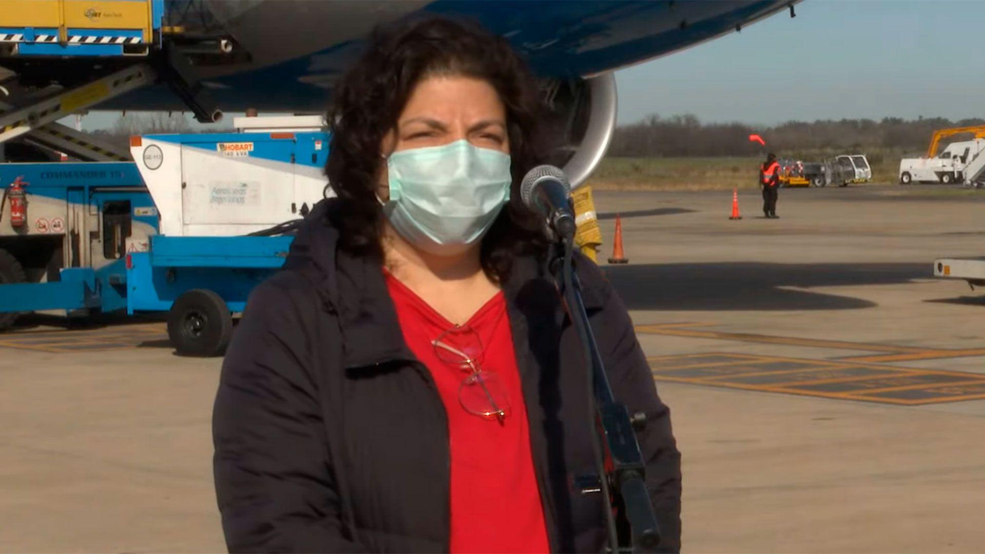 Conferencia de la ministra Vizzotti al llegar de Rusia en un vuelo con dosis de vacunas Sputnik