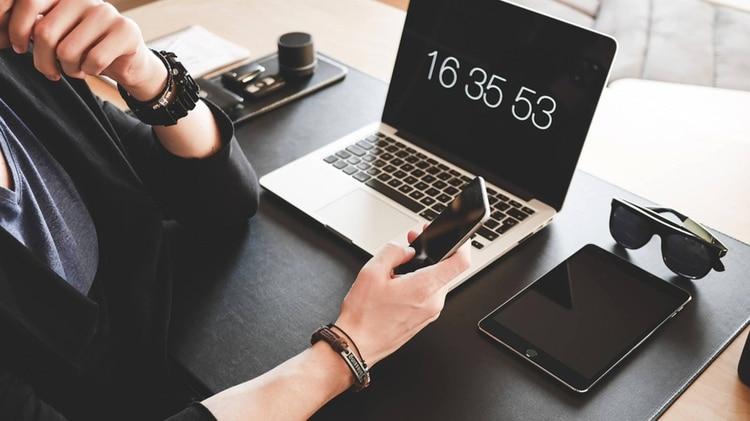 El teletrabajo y la educación en línea ganarán espacio en estos tiempos. Ese es un cambio cultural que ocurrirá de todos modos, y que incluso puede incrementar la productividad y ayudar a la economía (Pixabay)