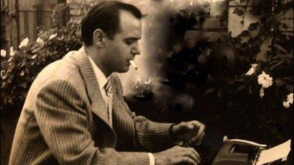 García Lorca en pleno proceso creativo