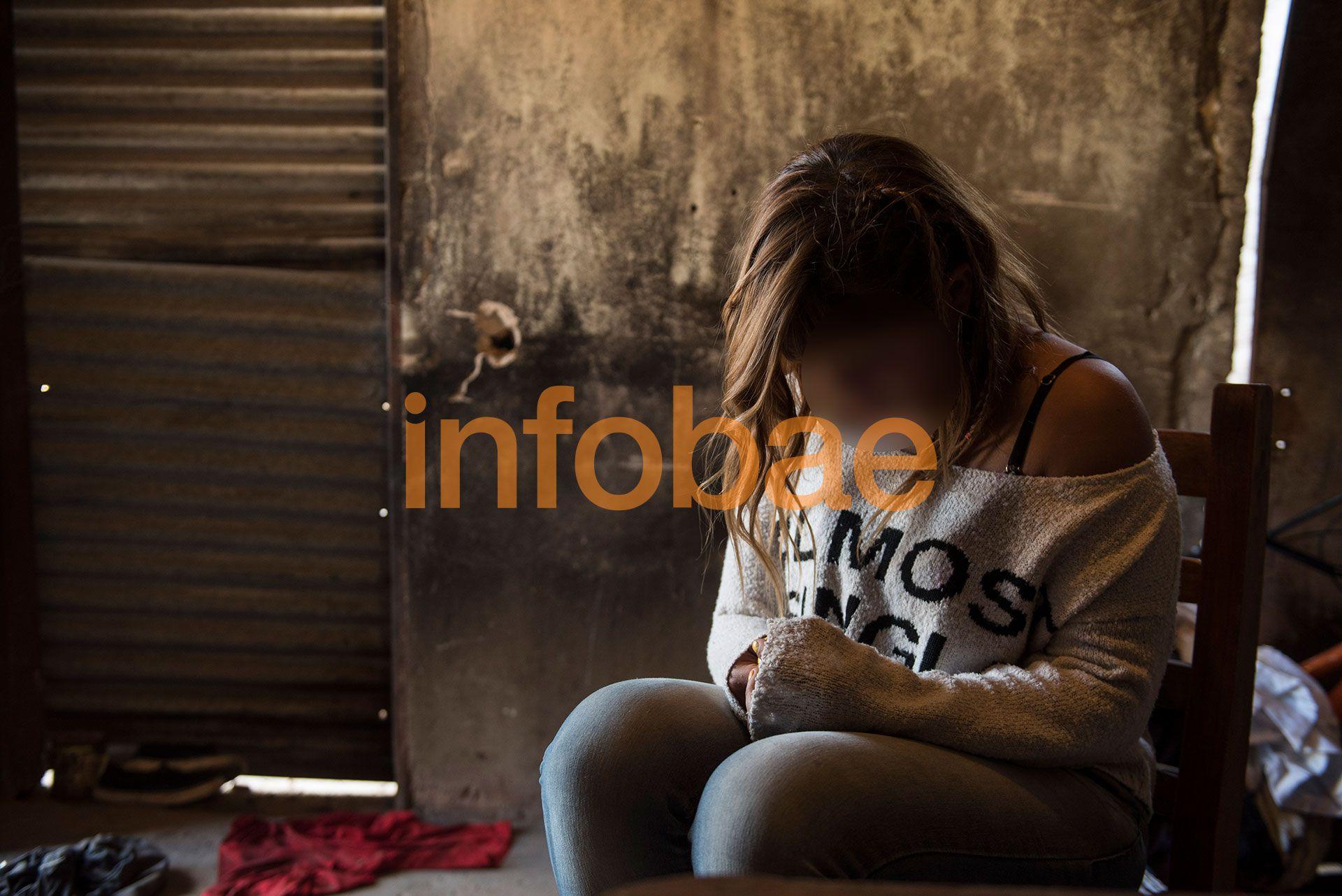 Miki, la víctima, en la casilla en donde se refugió tras el ataque (Guille Llamos)