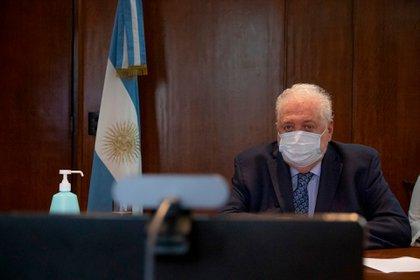 El ministro de Salud, Ginés González García esta mañana dando por finalizado el brote de sarampión