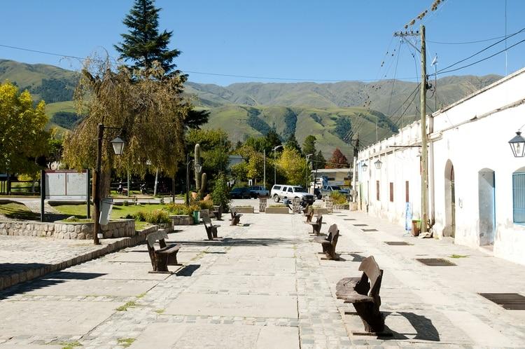 En el municipio, la capilla jesuita de La Banda, que data del siglo XVIII, alberga un museo de arte religioso y reliquias culturales