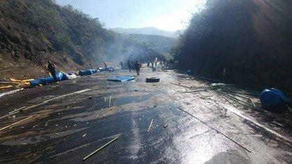 Un muerto y 12 heridos tras volcadura de vehículo de simpatizantes del PES en Chiapas