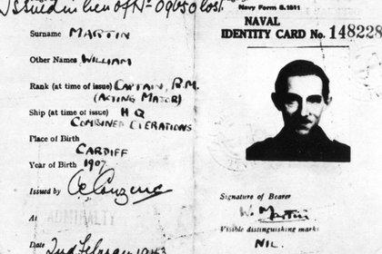 La falsa credencial de identidad del mayor William Martin