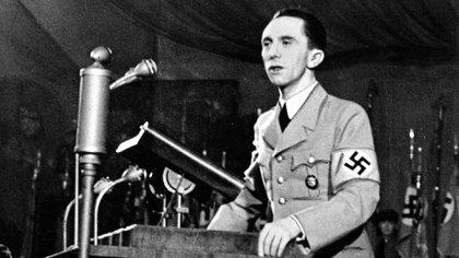 El ministro de Propaganda Joseph Goebbels fue leal a Hitler hasta el final, pero nunca llegaría a convertirse seriamente en candidato a jefe de Estado (AP)