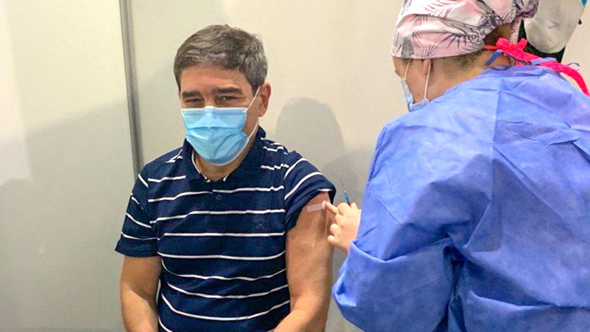 Se vacuno Fernan Quiros
