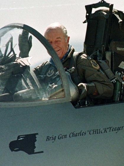 Chuck Yeager. REUTERS/Sam Mircovich/File Photo