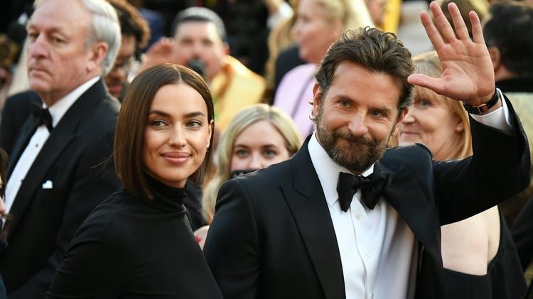 """Mientras que Irina Shayk """"buscaba salvar a su familia"""", Bradley Cooper estaba """"muy centrado en su trabajo"""" (Foto: Robyn Beck / AFP)"""