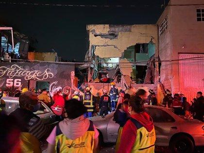 Dos muertos y 19 heridos en explosión en la oficina del alcalde Venustiano Corranza