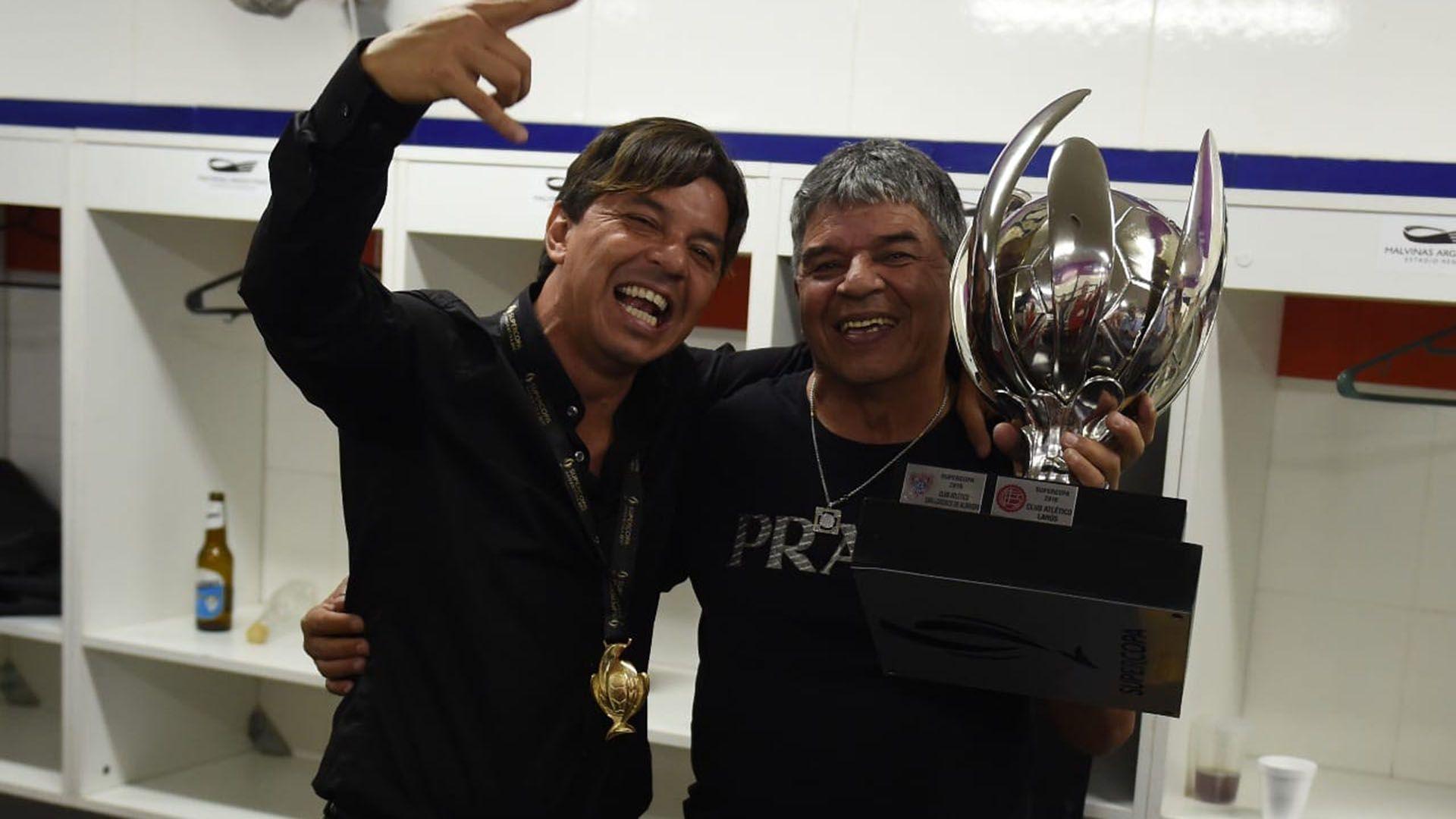 Marcelo Gallardo y su papá Máximo, en épocas de títulos
