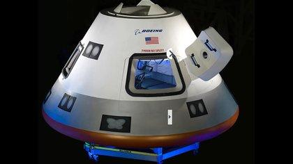 El CST-100 Starliner de Boeing es una cápsula espacial del siglo XXI diseñada para lanzar astronautas de la NASA en órbita en viajes comerciales a la Estación Espacial Internacional y más allá