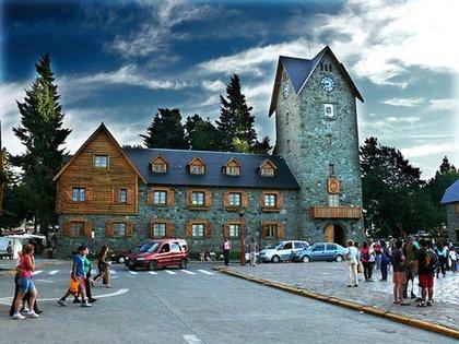 El Centro Cívico de Bariloche, la ciudad más visitada de la Patagonia