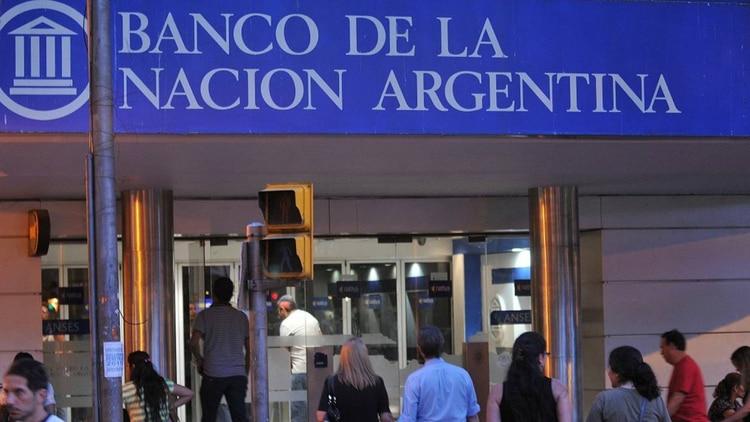 El Banco Nación dispuso un cupo de $ 2.000 millones para descontar cheques al 25%
