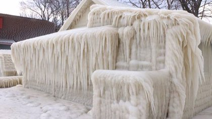 """La """"casa de hielo"""" del Lago Ontario, en Nueva York (John Kucko)"""