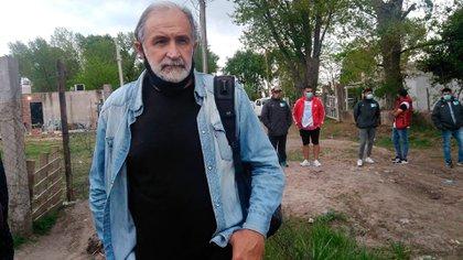 Eduardo Belliboni, el dirigente del Polo Obrero presente durante el censo de Guernica. Esa organización de izquierda, que forma parte del Partido Obrero, promete resistir el desalojo