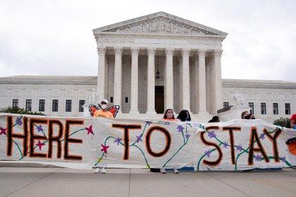 Vista del Tribunal Supremo de EE.UU. el 18 de junio de 2020, cuando informó que mantenía el programa de Acción Diferida (DACA). EFE/Michael Reynolds