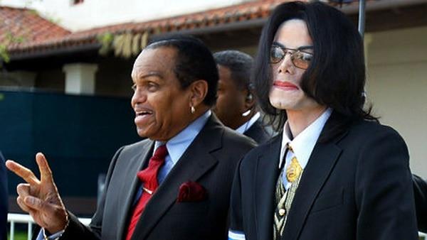 Una de las últimas fotos de Michael Jackson con su padre