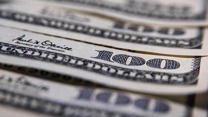 En febrero el dólar sube un 5,2 por ciento (Adrián Escandar)