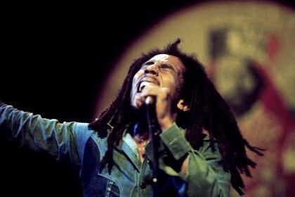 """Máximo referente del reggae. Autor de canciones como """"I Shot the Sheriff"""", """"No Woman, No Cry"""", """"Jamming"""", """"Redemption Song"""" y, junto con The Wailers, """"Three Little Birds"""""""