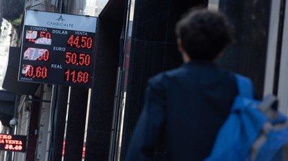 El dólar acumula un avance de 16,6% en el transcurso de 2019. (Adrián Escandar)