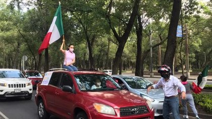 Protestas antiAMLO en la Ciudad de México (Foto: @poloespejel)