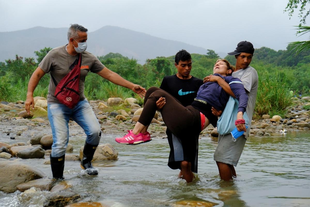 Apartamiento sin comestibles, sin colchones y con golpes al que critica: así tráfico el régimen de Nicolás Seguro a los venezolanos que regresan