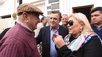 Elisa Carrió viajó a Córdoba para respaldar a Mario Negri