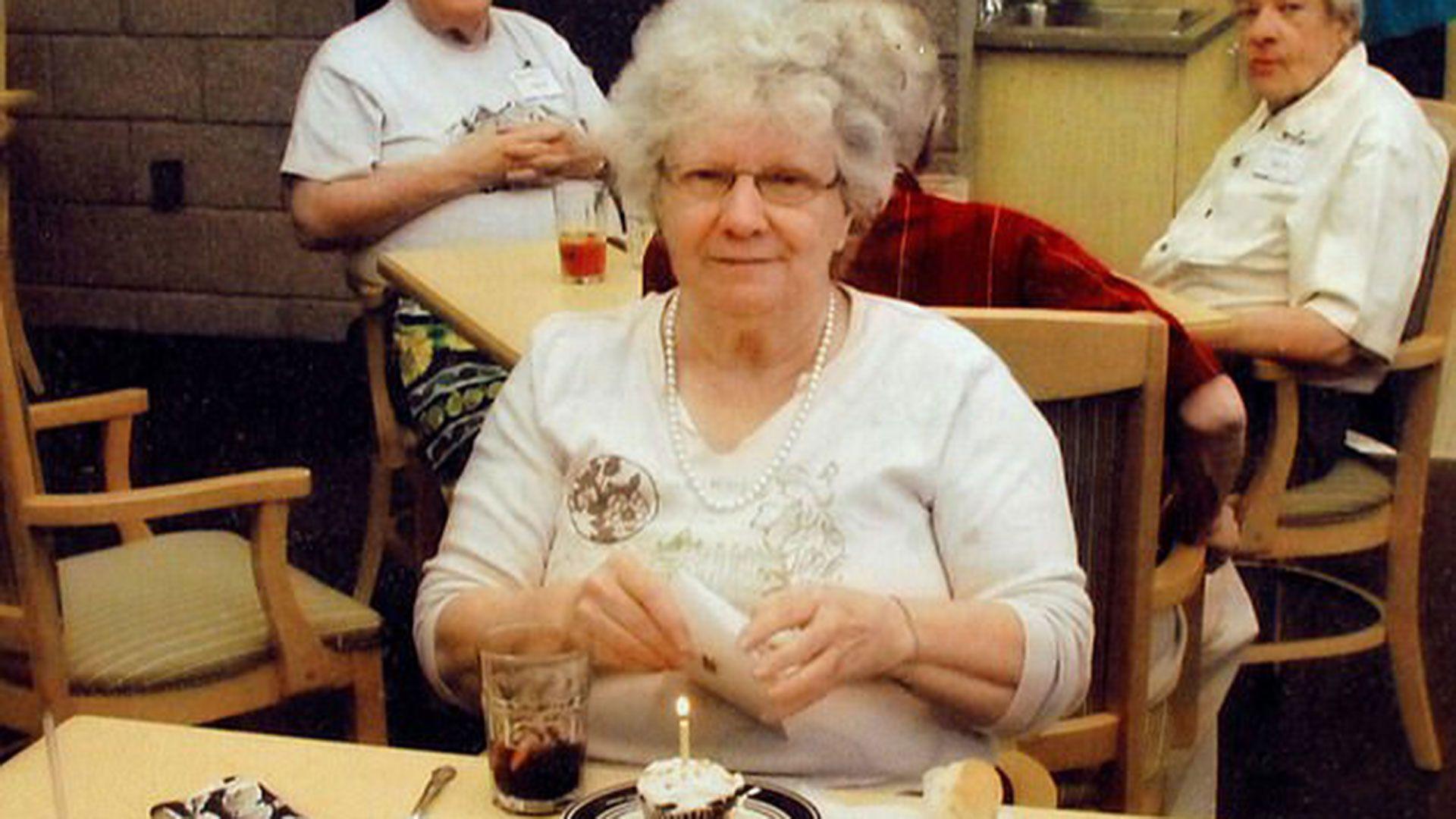 Doris Stauffer murió a los 73 años tras sufrir varios años una rara condición de Alzheimer. (Reuters)