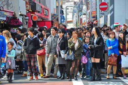 Un residente de la isla japonesa tiene un tercio más de posibilidades de alcanzar los cien años que uno norteamericano. El porcentaje de mujeres afectadas por cáncer de mama es un cincuenta por ciento inferior. Y mejora alrededor de un tercio respecto a las enfermedades cardiovasculares. La incidencia de las demencias seniles y del Alzheimer es diez veces menor (Shutterstock)