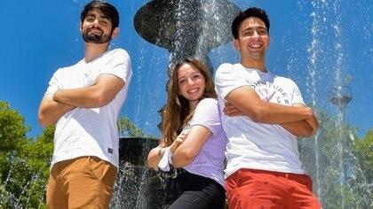 Julieta Porta, Sebastián Calvera y Sergio Dubon, los jóvenes mendocinos finalistas del Space App Challenge. Foto: Gentileza Mars Society.