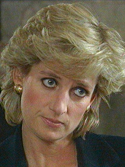 """En una entrevista en la BBC y ante 23 millones de espectadores, Diana reconoció que """"Éramos tres en este matrimonio, eso es una multitud"""" (AP)"""