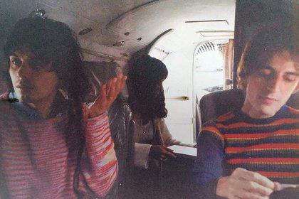 """Chile, 1996. """"Cruzando la cordillera a bordo de un Lear Jet. Acompañamos a García en el Festival de Ritoque"""", narra Samalea. (Archivo personal de Fernando Samalea)"""