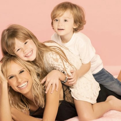 Mariana Fabbiani con sus hijos, Matilda y Máximo